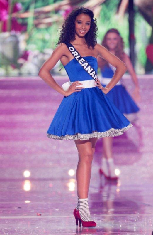 Toutes les tenues de Flora lors de l'élection Miss France 2014 !