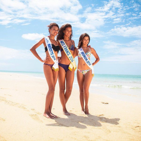 Flora, Ludy et Ingreed posent sur la plage !