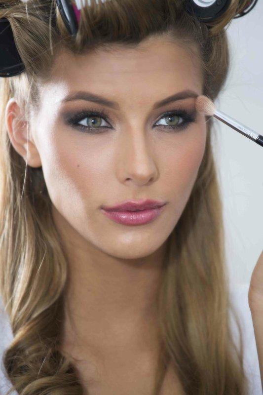 Camille se prépare pour Miss Univers !