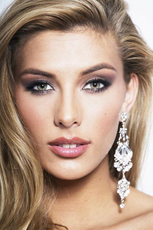 Découvrez le shooting de Camille pour Miss Univers !