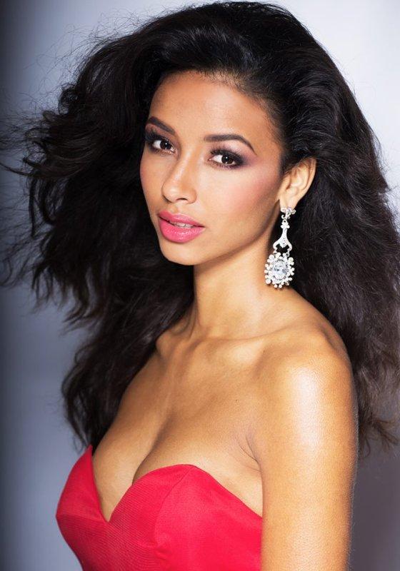 Miss Univers : Photo officielle de Flora et préparation de feu !