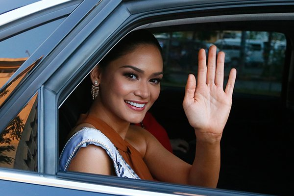 Pia acclamée comme une reine aux Philippines !