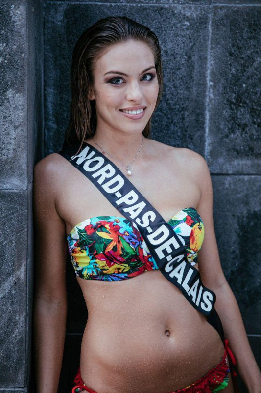 Miss France 2017 : Les photos officielles en maillots !