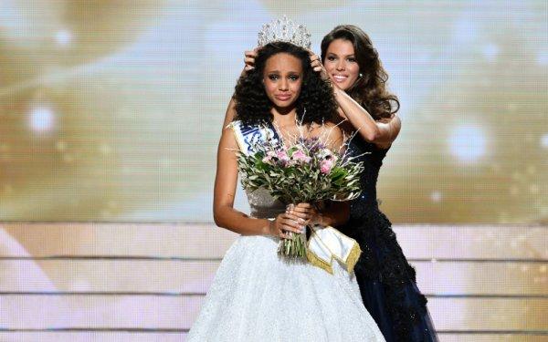 Miss France 2017 : Qui succède à Iris ?