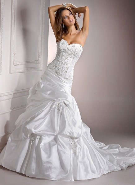 Swarovski Crystals Sweetheart Wedding Dress Slim Line Cap Sleeve Satin Bridal Gown
