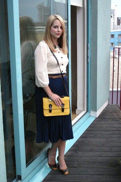 Série jupe plissée chemisier