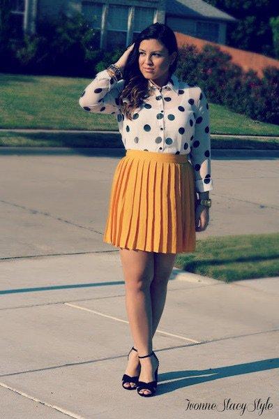 Série jupe plissée et chemisier