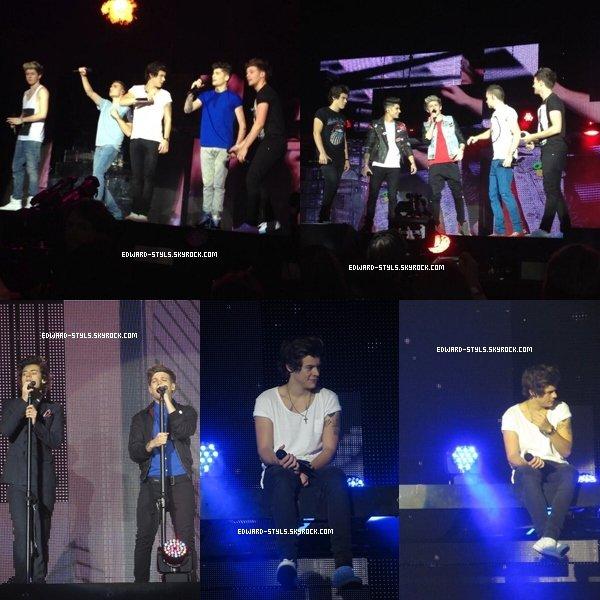 Harry et le reste du groupe ont donné un concert le 01.03.13