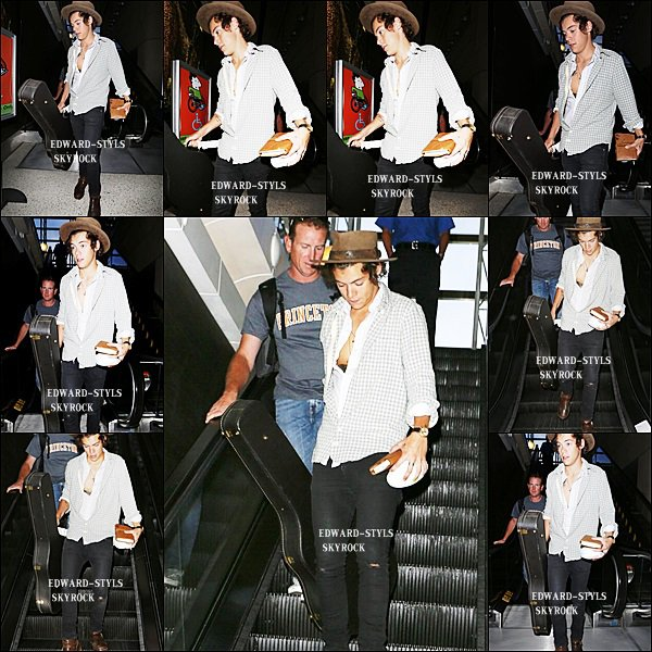 17/08/13 : Harry à l'aréoport de LAX, Los Angeles.