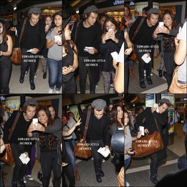 21/09/13 : Harry à l'aéroport de LAX.