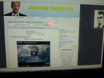 Je tiens à remercier Johnny HALLYDAY et son équipe d'avoir mis huit de mes clips sur son site.