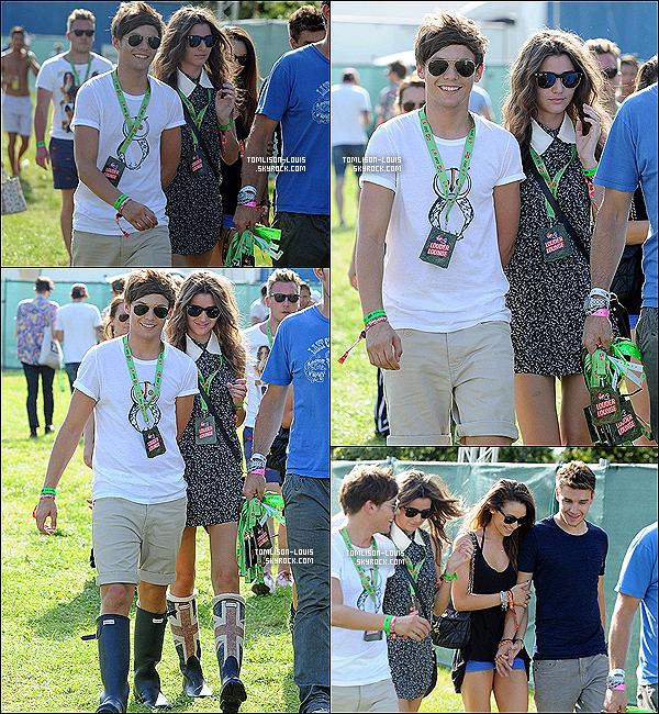 18.08.12 :  Louis s'est rendu au premier jour du « V Festival 2012 » de Londres.  C'est au bras de sa tendre et chérie ainsi que du couple Danielle/Liam qu'il a passé sa journée à la nouvelle édition du V Festival..