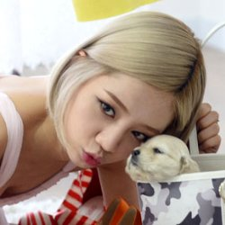 Girl's day & mini dog