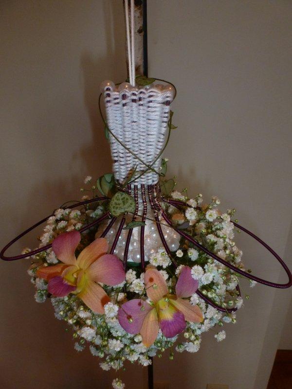 Les flacons de parfumeurs réputés revisités à la mode florale belge  Alden Bielsen 2014