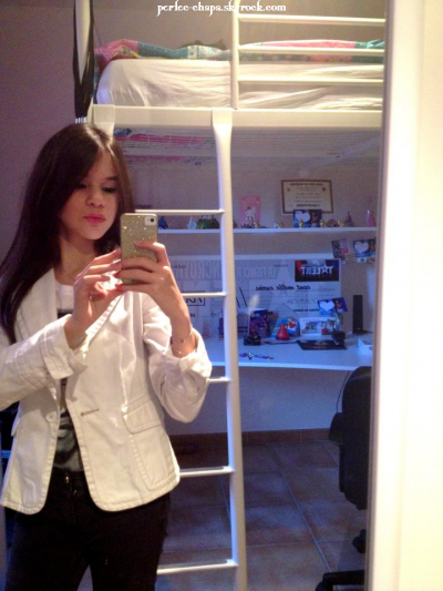 01 Mars 2012: Marina poste une nouvelle photo d'elle ainsi qu'un message.