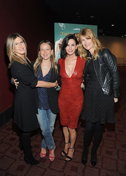 Jennifer Aniston, Jen Meyer, Courteney Cox et Laura Dern assister à la projection de Los Angeles de «Just Before I Go '