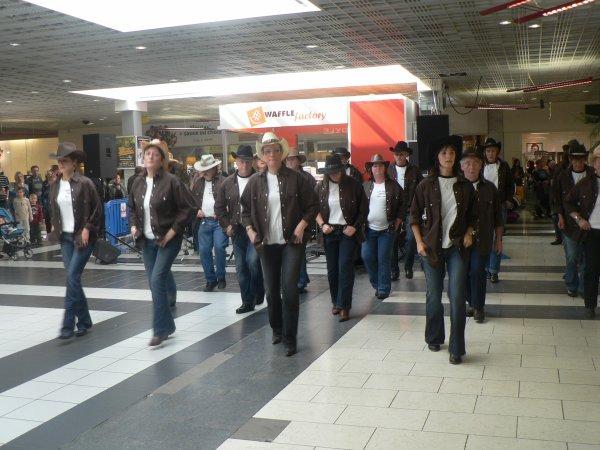 DEMO AUX BASTIONS AVEC LES HILLS COUNTRY BAND