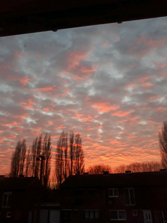 Ciel rouge lon