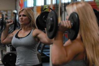 Beth Phoenix et Natala à l'entrainement