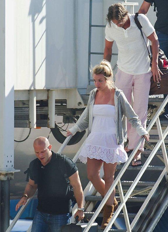"""J'adore """"Sorry Adam"""" on dirait une chanson de l'ère """"Britney"""""""