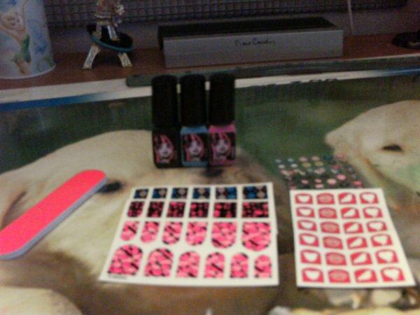 Mon nouveau kit de manucure Monster High