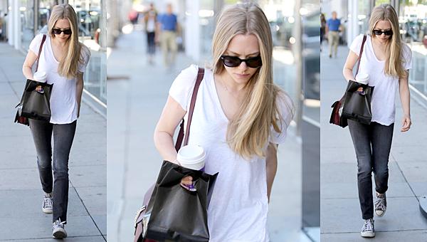 12 Novembre 2014 :  Amanda est allée voir un match de basket avec son chéri. Kate Upton et Taylor Swift étaient aussi présentes.