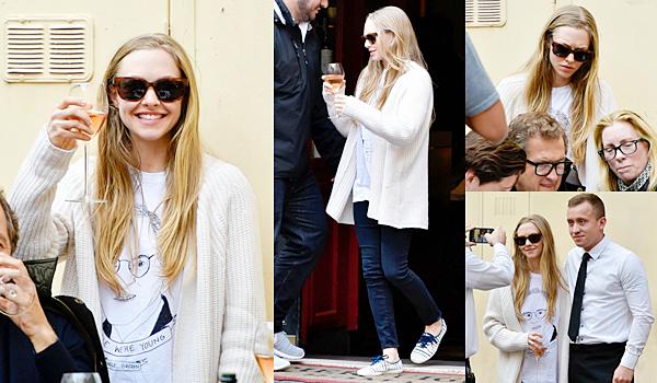 26 Mars 2015:  Amanda est à Rome en Italie pour un shooting photo ! Après le shooting elle a pris des photos du paysage et avec l'équipe;