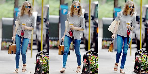 23 Septembre 2015 :  Amanda est allée au café Beachwood avec un ami.