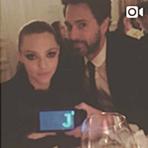 Le 29 Novembre 2016 • Amanda était présente à une soirée pour promouvoir le parfum Live Irrésistible de Givenchy ! Elle portait pour l'occasion une robe noire transparente de la marque. On peut apercevoir son ventre bien arrondit !!!