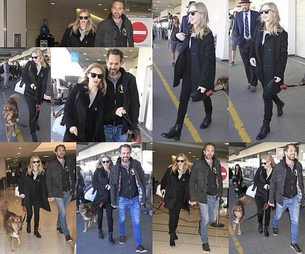 Le 2 Décembre 2016 • Amanda et Thomas se sont baladés dans les rues de New York avec Finn. En fin d'après midi, ils se sont rendus à l'aéroport de NY direction Los Angeles.