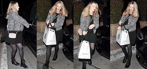 """Le 4 Février 2017 • Amanda a été vue quittant le restaurant """"Madeo"""" à Los Angeles. Elle est donc rentrée de son tournage."""