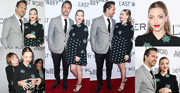 """Le 1er Mars 2017 • Amanda était présente à l'avant première de son nouveau film """"The Last Word"""". Elle partage l'affiche avec son mari, Thomas Sadoski et l'actrice, Shirley Maclaine."""