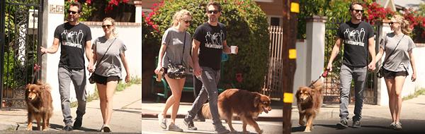 Le 14 Avril 2017 • Amanda, Thomas et Finn ont été vus se baladant dans les rues de Los Angeles.
