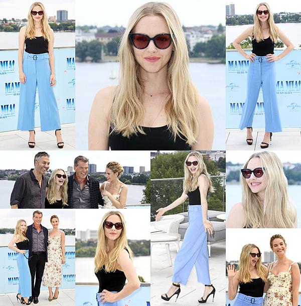 Le 16 Juillet 2018 : •Amanda était présente à l'avant première de Mamma Mia Here We Go Again à Londres. Elle portait un ensemble signé Alexander Mcqueen.