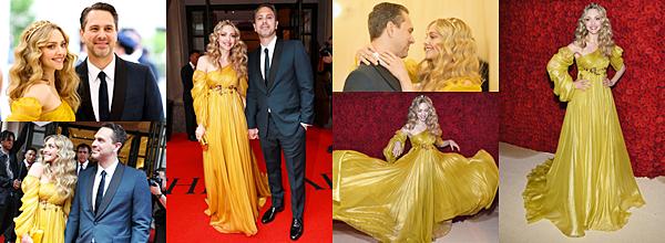 Le 7 Mai 2018 : • Amanda a participé au Met Gala dont le thème était l'imagination catholique. Elle était vêtue d'une magnifique robe jaune signée Prada.