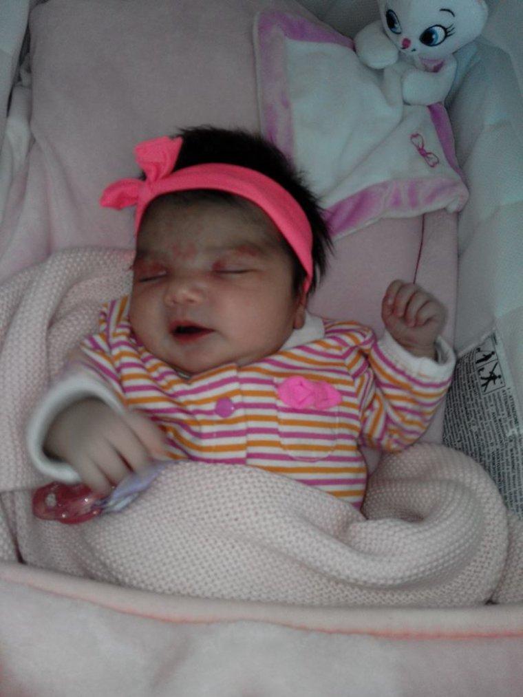 Mon petit bébé damour a mwa