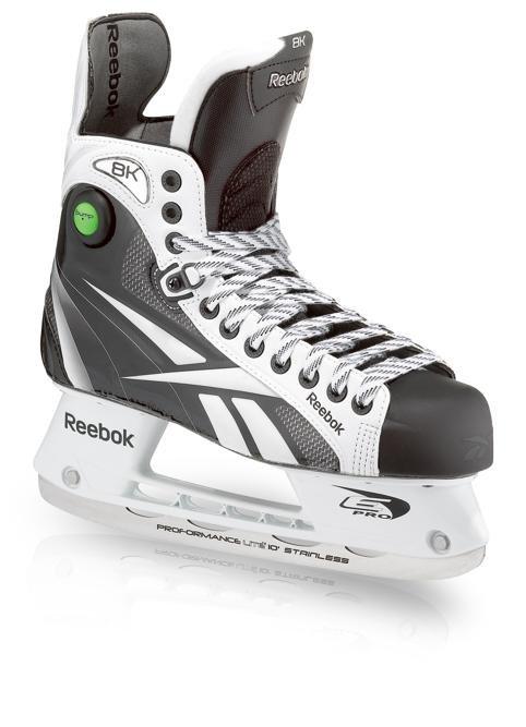 voila ma nouvelle paire de hockey!!!!!! magnifique vous trouver pas lol!!!