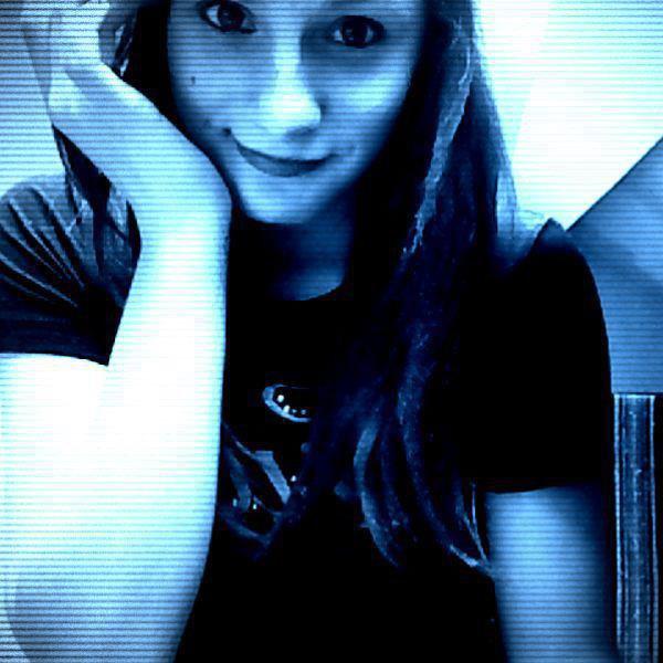 #~Une fille qu'elle sois grosse , moche ; anorexique sa se respecte #~~