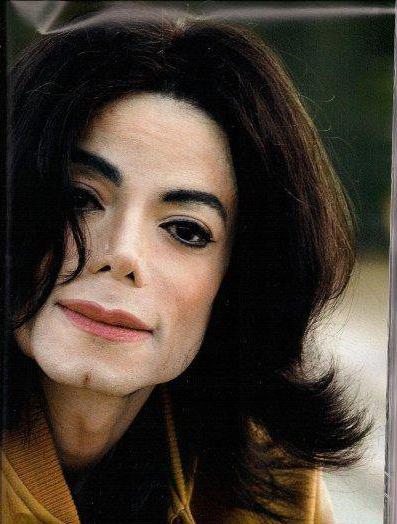 Le 14 Decembre Sort le nouvelle Album INEDIT de Michael Jackson, seulement des préjugers s'instale déjà sur celui si. J'ENQUETE :