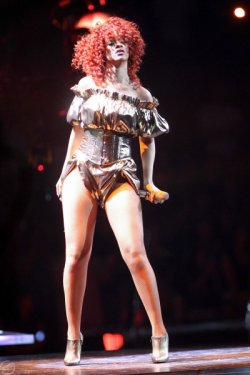 Rihanna LOUD tour (USA) outifts