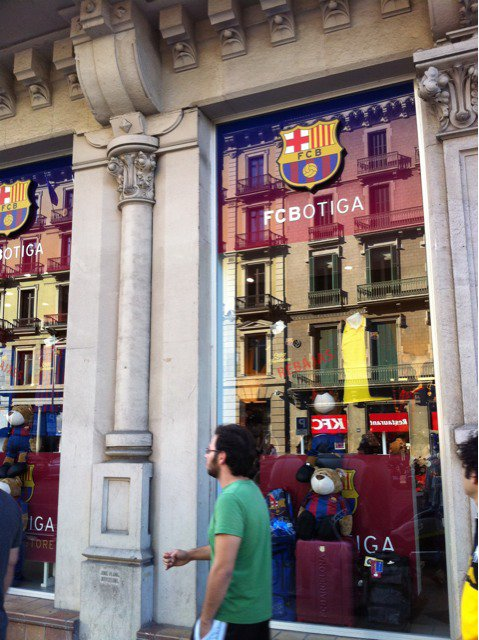 je éte Barcelone le magasin d foot