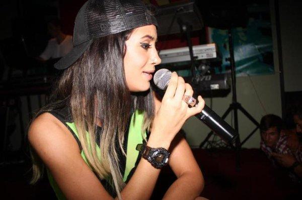 Dafina Zeqiri koncert ne Skenderaj