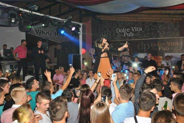 Dafina Zeqiri koncert ne Peje
