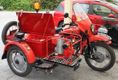 side ural sapeurs pompiers blogmolotov fan side car moto. Black Bedroom Furniture Sets. Home Design Ideas