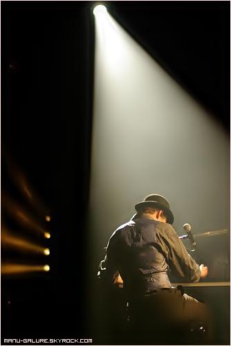 Quelques Photos de Manu Galure ___Actualités, concerts, représentations de Manu Galure sur son Myspace !_Bientôt, des nouveautés sur le site officiel : manugalure.com_●___●___●