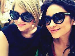 "Ashley Benson et Shay Mitchell dansent sur ""No Scrubs"" !"