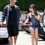 Lucy Hale et Chris Zylka en promenade à L.A.