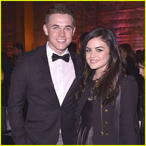 Lucy Hale aux Friends N' Family Pre-Grammy Party