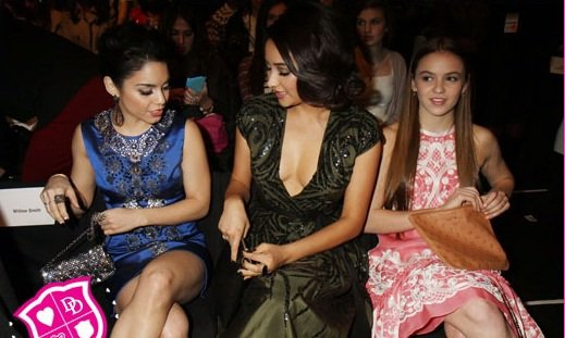 Shay Mitchell à un défilé de la Fashion Week
