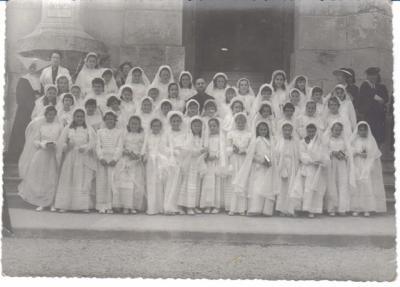Les communiantes à Notre-Dame d'Afrique en 1953.